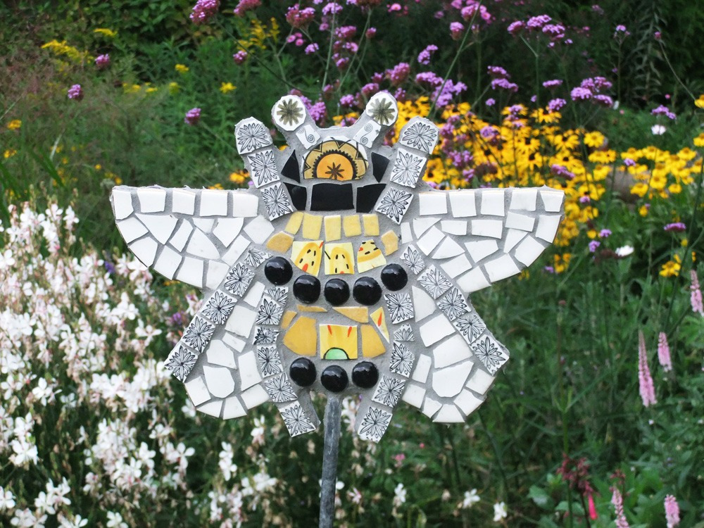 Mosaic Bumble Bee on galvanised steel stake