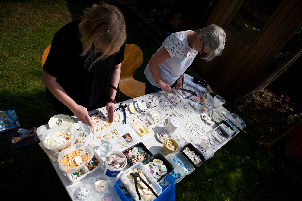Mosaic workshop outdoors with Mosaic Mum