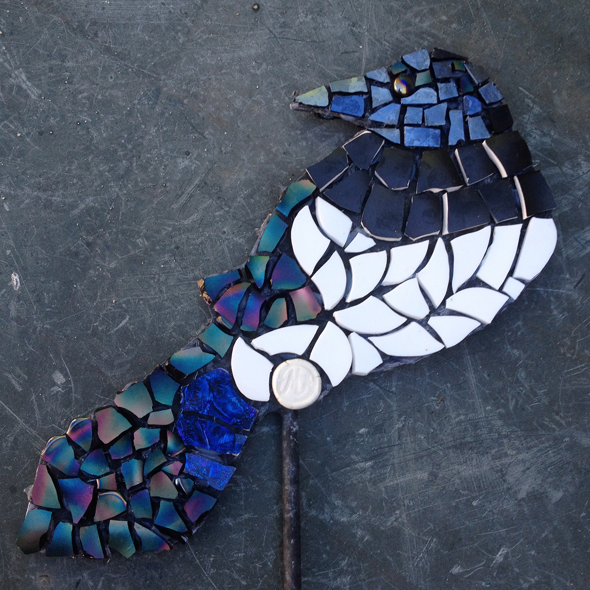 mosaic,magpie,art,sculpture,garden,vintage,retro,ceramic