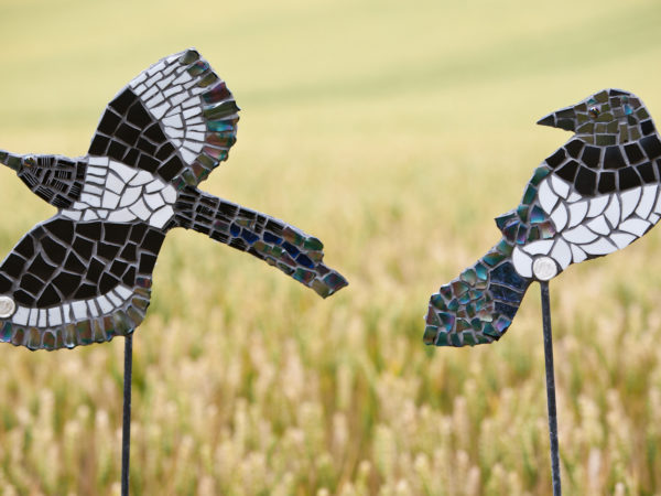 magpie,bird,sculpture,mosaic